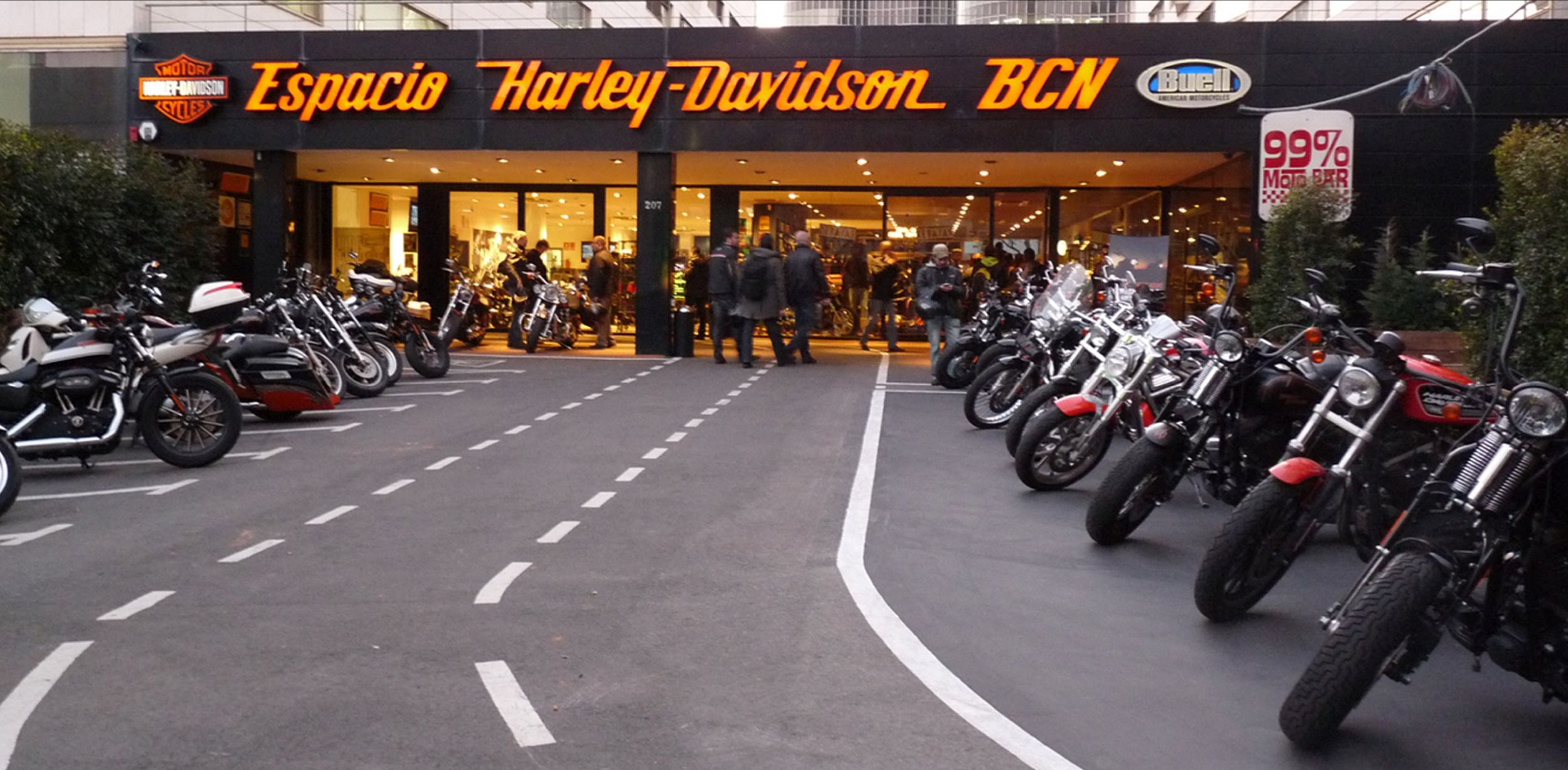 espacio harley davidson bcn concesionario oficial espacio h d. Black Bedroom Furniture Sets. Home Design Ideas